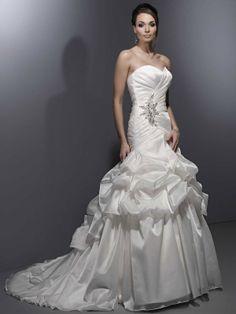 Ball gown sweetheart chapel train charming organza with ruffle wedding dress