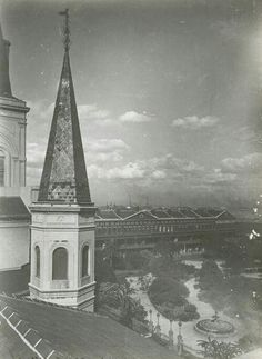 jackson square from the roof of the cabildo