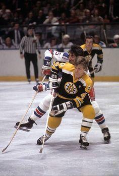 Bruins Hockey, Hockey Players, Ice Hockey, Bobby Orr, Boston Sports, Hockey Cards, Boston Bruins, Nhl, Legends