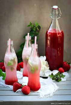Strawberry Rhubarb Syrup Life is a Hammock Fancy Drinks, Summer Drinks, Cocktail Drinks, Lime Drinks, Cocktails, Garrafa Coca Cola, Gouts Et Couleurs, Plat Vegan, Rhubarb Syrup