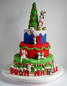 This is my last christmas cake and the last of this year… Merry Christmas to all of you! Christmas Themed Cake, Christmas Cake Designs, Christmas Cupcakes, Christmas Sweets, Christmas Baking, Merry Christmas, Christmas Stairs, Beautiful Cakes, Amazing Cakes