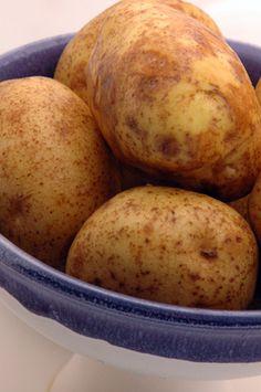 Potato Vs. Sweet Potato Nutrition | LIVESTRONG.COM
