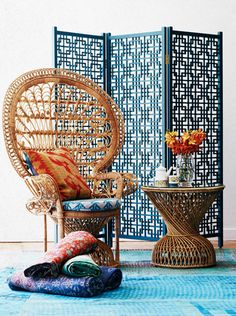 peacock chair vignette by the family love tree    via http://paloma81.blogspot.com/2012/06/design-under-influence-peacock-chair.html#