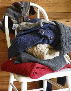 """Turn your old sweater into """"felt"""" and make a purse/pocketbook"""