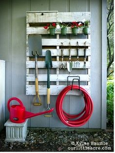 For the garden shed or backyard. Love this idea.
