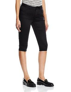 leggings for women sport capri Click visit link above to see more - Fall in Love with Leggings – Why You Need This Leg Wear Necessity. Nike Leggings, Black Leggings, Sports Women, Bermuda Shorts, Legs, Cosplay Ideas, Clothes For Women, Jute, Casual