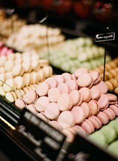 Macaroons: http://www.stylemepretty.com/2015/01/06/autumn-in-paris-a-mini-guide/ | Photography: Gert Huygaerts - http://www.gerthuygaerts.com/