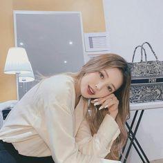 Pony park hye min make up 🤗 Pony Korean, Korean Girl, Asian Girl, Korean Beauty, Asian Beauty, Park Hye Min, Ciara And I, Pony Makeup, Ninja Girl