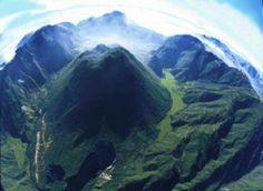 Impresionante vista del crater del volcán Pululahua
