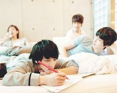 CNBLUE,   I am aloud one boy group to fan girl over