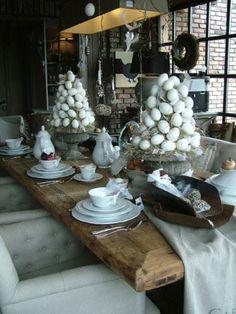 gezellig gedekte tafel voor pasen Door bofleur