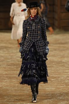 LOOK10 PRE-FALL 2014 Chanel Ondria Hardin Chanel   Pre-Fall 2014 Collection   Style.com