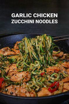 Garlic Chicken Zucchini Noodles Stir Fry Recipe Zoodle Recipes, Stir Fry Recipes, Cooking Recipes, Asian Recipes, Healthy Recipes, Ethnic Recipes, Easy Recipes, Zucchini Soup, Stir Fry Zucchini Noodles