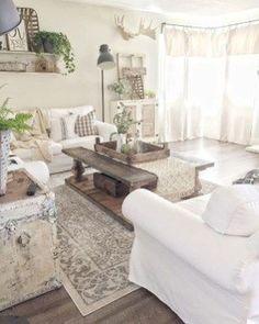 Nice 99 Cute Shabby Chic Farmhouse Living Room Design Ideas. More at http://www.99homy.com/2018/02/26/99-cute-shabby-chic-farmhouse-living-room-design-ideas/