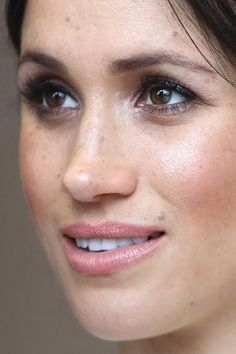 meghan markle Close-Up meghan markle close-up, Meghan Markle, photos Meghan Markle Hair, Meghan Markle Style, Megan Markle Makeup, Megan Markle Nose, Meghan Markle Natural Hair, Meghan Markle Photos, Glamour Makeup, Beauty Makeup, Hair Makeup