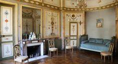 Hôtel de Bourrienne (1793) 58, rue d'Hauteville Paris 75010. Décoration de style Directoire et Consulaire (soit de 1794 à 1804) qui illustre à merveille l'inspiration antique de l'époque. Elle est attribuée à l'architecte Etienne Chérubin-Leconte,