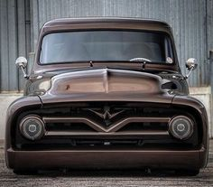 1955 Ford and motorcycles ninja bikes official bb&t, Vintage Pickup Trucks, Classic Pickup Trucks, Old Ford Trucks, Ford Classic Cars, Antique Trucks, Vintage Cars, Hot Rod Trucks, Cool Trucks, Big Trucks