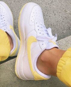 Yellow lemon and white Nike Air Force 1 sneakers. – Yellow lemon and white Nike Air Force 1 sneakers. – – More from my siteYellow lemon and white Nike Air Force 1 sneakers.- Run Baby RunNike Air Force 1 … Moda Sneakers, Shoes Sneakers, Yellow Sneakers, Yellow Shoes, Shoes Men, Shoes Jordans, Nike Women Sneakers, Cute Sneakers For Women, Af1 Shoes