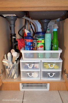 Inexpensive+Storage+Ideas+To+Make+The+Most+Of+A+Kitchen+Sink+Cabinet