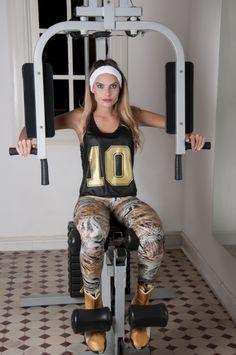 4dfe5d5e8849 Ouseuse OU Lingerie · Fitness · top cropped e legging estampada em tecido  cirre/ top cropped and printed legging fabric cirre