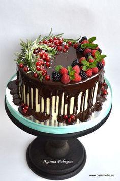 ideas fruit cake ideas birthday dessert recipes for 2019 Pretty Cakes, Beautiful Cakes, Amazing Cakes, Dessert Banana Split, Fancy Cake, Cake Cookies, Cupcake Cakes, Winter Torte, Fruit Wedding Cake