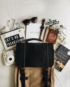 MERLE Backpack BENYCTA The Travel Brand Shop is part of Backpack photography - The MERLE Backpack is super stylish and practical for digital nomads or if you simply carry around your notebook or documents Travel Flatlay, Flat Lay Photography, Photography Trips, What In My Bag, Blog Voyage, Design Set, Travel Aesthetic, Cozy Aesthetic, Aesthetic Videos