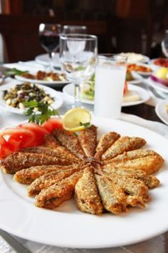 puff point fish and seafood – Shellfish Recipes Shellfish Recipes, Meat Recipes, Seafood Recipes, Seafood Pizza, Fish And Seafood, Fisher, Turkish Kitchen, Turkish Recipes, Fish Dishes