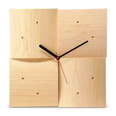 cosine/掛時計 R メープル 15750yen どんなインテリアにもなじむ、木目の美しい掛け時計