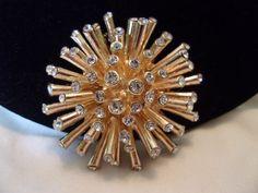 Star Burst Brooch Diamante Glass Rhinestones by AnnesGlitterBug