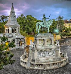 Primeras luces en el Bastión de los Pescadores (Budapest) - Szent István szobra