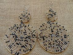 Beaded Earrings-Champagne and Black Variation – Lillon Boutique