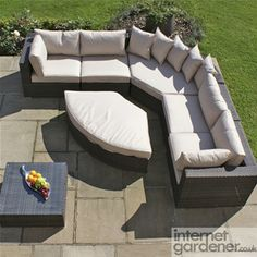 Maze Rattan Deluxe Barcelona Garden Corner Sofa Suite can be used as a corner sofa, separate sofas or as a huge rattan daybed.
