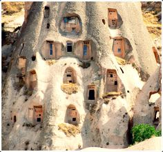 Kapadokya in Turkey ! It looks like anthill ! A live humanhill ! How must it be to stay here, I wonder ..