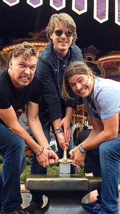 This might be my favorite Hanson pic. Never grow up guys. Ever. <3