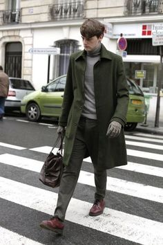 casual elegance in hunter green! streetstyle fashion week homme paris automne hiver 2012