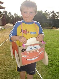 I'm loving this blogger and her great 4 year old Cars birthday party ideas, we'll be making lightning mcqueen cars at Joel's party and racing them around our front lawn, it's going to be great!