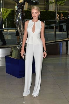 The Best Shoes for Women's Jumpsuits: The Best Shoes for Simple Jumpsuits
