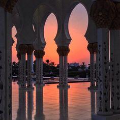 Sunset in Abu Dhabi. Photo courtesy of byualumnus on Instagram.