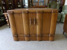Stunning Sideboard / Drinks Cabinet, measures at H-92cm W-121cm D-48cm----------------- £95 (PC890)
