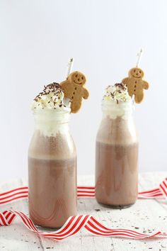 A deliciously festive recipe for frozen hot chocolate flavoured with subtle gingerbread spices! My Fussy Eater Christmas Snacks, Xmas Food, Christmas Cooking, Christmas Goodies, Holiday Treats, Holiday Recipes, Christmas Recipes, Christmas Gingerbread, Cozy Christmas