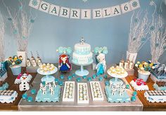 Frozen: Elsa, Anna e Olaf compõem a decoração dessa festa infantil para meninas! #festinha