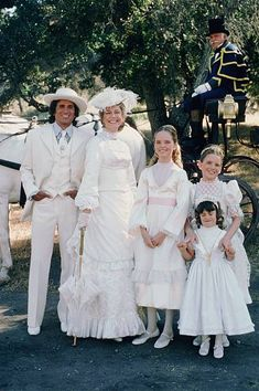PRAIRIE At the End of the Rainbow Episode 10 Aired Pictured Michael Landon as Charles Philip Ingalls Karen Grassle as Caroline Quiner Holbrook. Melissa Sue Anderson, Melissa Gilbert, Michael Landon, Ingalls Family, House Cast, House Star, Laura Ingalls Wilder, Child Actors, Karen