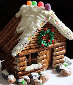 Gingerbread House Pictures, Gingerbread House Designs, Gingerbread House Parties, Christmas Gingerbread House, Christmas Foods, Christmas Parties, Christmas Cookies, Christmas Ornament Crafts, Christmas Projects