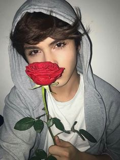 A rose by any other name would smell as sweet ❤❤ ❤❤ ❤ - William Shakespeare Cute Emo Boys, Hot Boys, Cute Guys, Beautiful Boys, Pretty Boys, Tumbrl Boy, Girls World, Sweet Girls, Wallpaper Iphone Cute