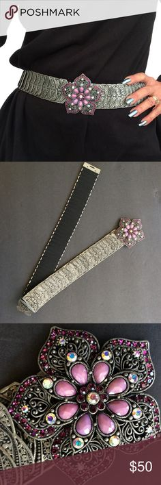 "GORGEOUS EMBELLISHED BLING STRETCH METAL BELT Stunning stretch belt. Superb luxury in this one size fits most stretch belt. Gorgeous luxe beads and crystals adorn the buckle on this belt.  No missing stones. Pictures do not do this beauty justice!  Belt measures 30"" unstretched, I can stretch all the way to 40"". Width 2"". Silver tabs are riveted onto stretch elastic. unbranded Accessories Belts"