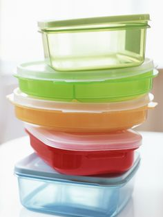 Rid of Containers of Odors       Because plastic food containers are porous, they frequently retain odors even after washing. Store them with crumpled-up black-and-white newspaper inside to absorb odors. Then give containers a rinse before using again.