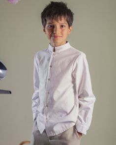 First Communion Ideas Teen Boy Fashion, Little Gentleman, Girls Dresses, Flower Girl Dresses, Boy Outfits, Fashion Outfits, Boys Suits, First Communion, Dress Codes