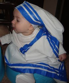 Any of you looking for last minute costume ideas for All Saints' Day? I know I am! How about making a Mother Teresa costume from a pillow case, a single bed sheet, and a roll of blue painter&…