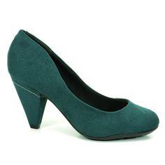 c7a8b6fcd3 Confeccionado em material alternativo tipo camurça na cor verde.O sapato é  trás uma cor diferenciada em modelo confortável e seguro!