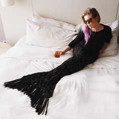 Black Mermaid Tail Blanket for Women Knit Sea Witch Mermaid Tail Blanket, Black Mermaid, Real Mermaids, Absolutely Stunning, Beautiful, Gold Sequins, How To Fall Asleep, Knitting, Wonderland